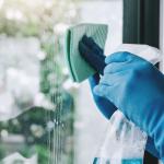 Фотография Средства для мытья окон и зеркал